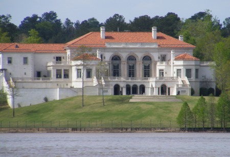 $19,000,000 mansion on Lake Oliver formerly owned by Bill Heard, Jr.